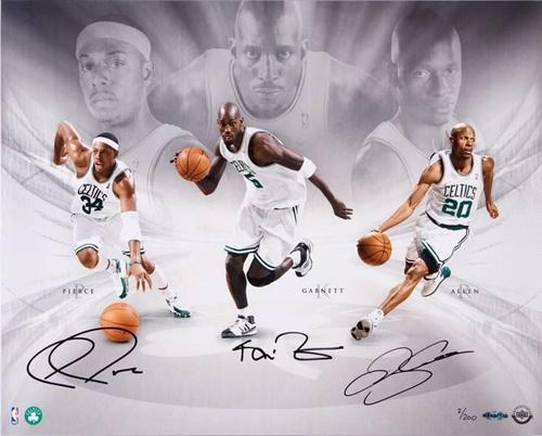 Boston Celtics Hintergrund with a dribbler and a basketball player entitled The Big 3