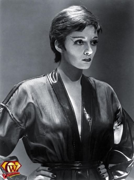 sarah douglas height