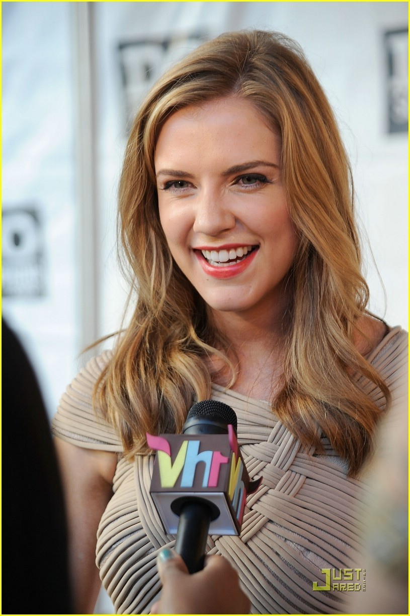 Discussion on this topic: Caroline Gillmer, sara-canning/