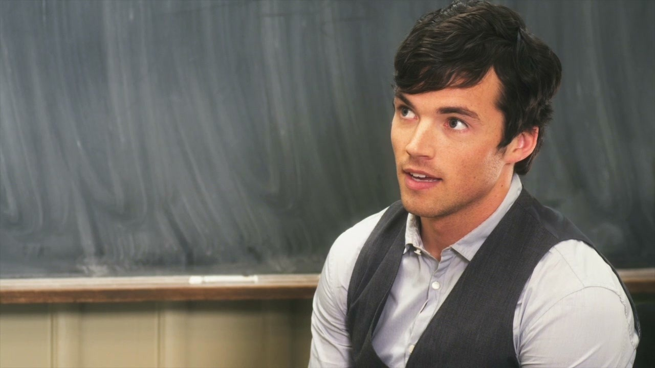 13 Clues That Ezra Isnt AD On Pretty Little Liars