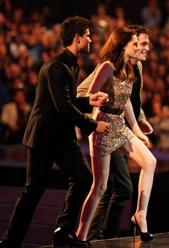 2011 People's Choice Awards HQ
