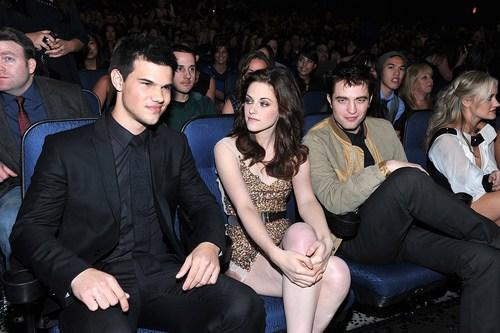 2011 People's Choice Awards HQ