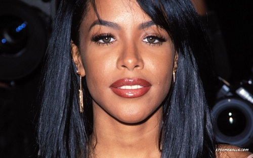 Aaliyah wallpaper probably containing a portrait titled Aaliyah