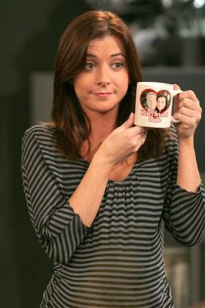 Alyson Hannigan kertas dinding possibly containing a coffee break called Alyson Hannigan