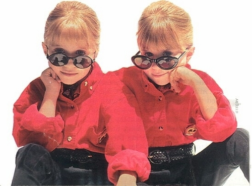 Mary-Kate & Ashley Olsen wallpaper possibly with a snorkel, snorkeling called Ashley Fuller and Mary-Kate Olsen