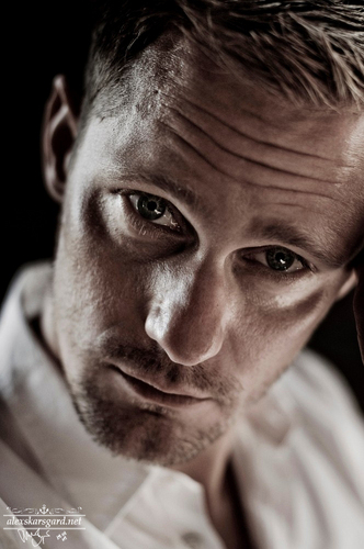 Alexander Skarsgård fondo de pantalla probably with a portrait called Chris Maluszynski Photoshoot '09