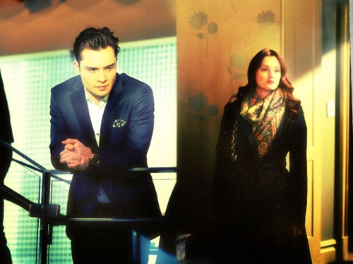 Chuck/Blair 4x12 stills