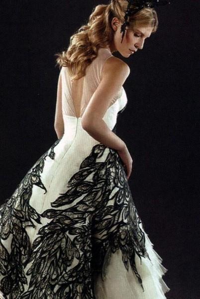 Fleur delacour 39 s wedding dress harry potter vs twilight for Fleur delacour wedding dress