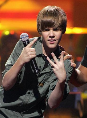 Hommie Justin :P xxx