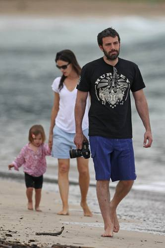 Jen & Ben in Hawaii with their daughters!