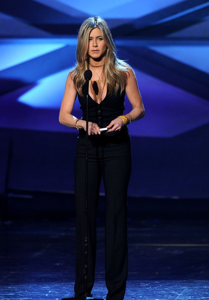 Jennifer @ 2011 People's Choice Awards - Jennifer Aniston 414x594