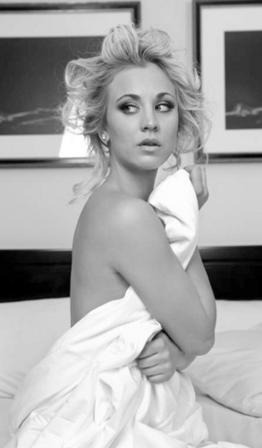 Kaley Cuoco wallpaper possibly with a neonate and skin called Kaley