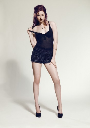 ডক্টর হু দেওয়ালপত্র with tights, a leotard, and a playsuit titled Karen Gillan