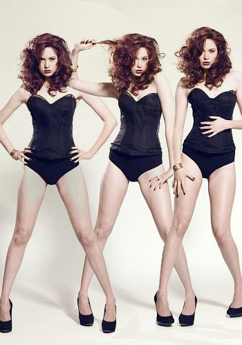 Doctor Who karatasi la kupamba ukuta with a maillot, a swimsuit, and a leotard entitled Karen Gillan