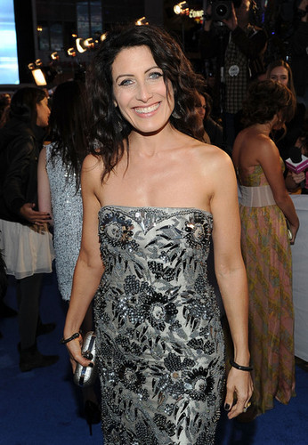 Lisa @ 2011 People's Choice Awards