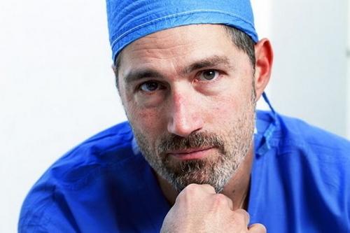 Matthew لومڑی Working with 'Operation Smile India' 14.12.2010