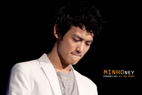 Minho at SHINee The 1st концерт in Korea 110102