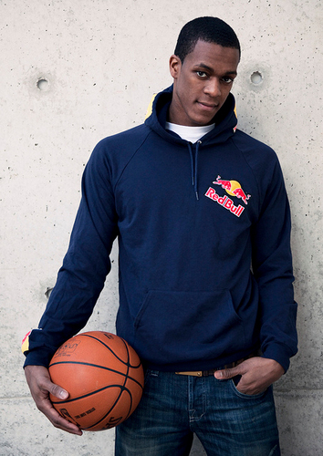 Rajon Rondo Hintergrund with a basketball and a dribbler entitled Rajon ROndo