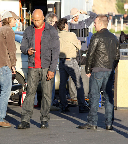 NCIS: Los Angeles 壁纸 with a business suit and a 街, 街道 titled Stars On The Set Of 'NCIS: Los Angeles' In Pacific Palisades