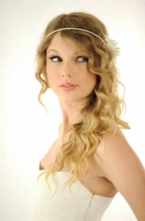 Taylor Swift - Photoshoot #119: USA Today (2010 ...