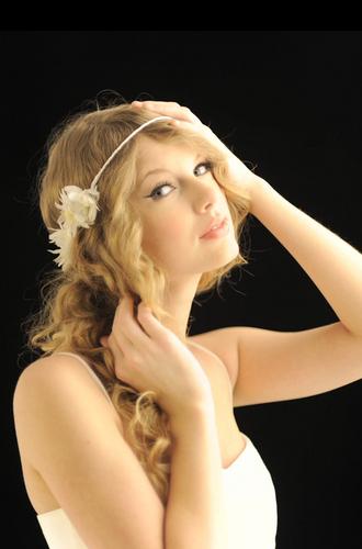 Taylor Swift - Photoshoot #119: USA Today (2010)