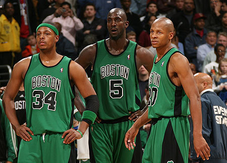 Boston Celtics Hintergrund containing a basketball, a basketball player, and a dribbler entitled The Big 3