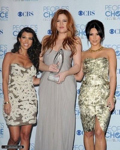 The Kardashians @ 2011 People's Choice Awards