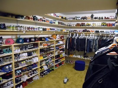 chris brown's closet