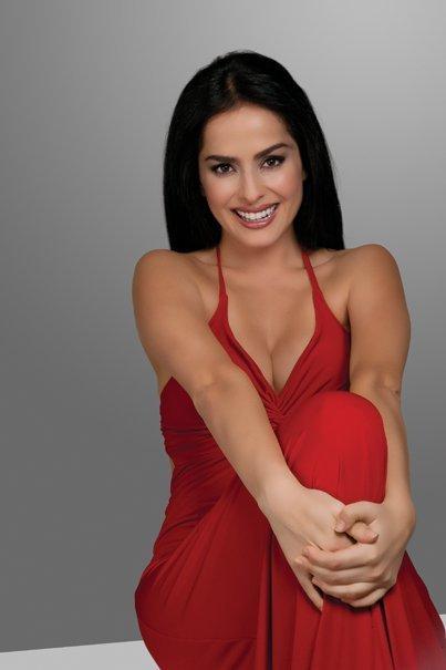 http://images4.fanpop.com/image/photos/18200000/dana-garcia-danna-garcia-18222248-403-605.jpg