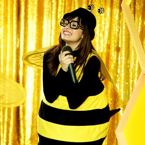 demi lovato as bee!