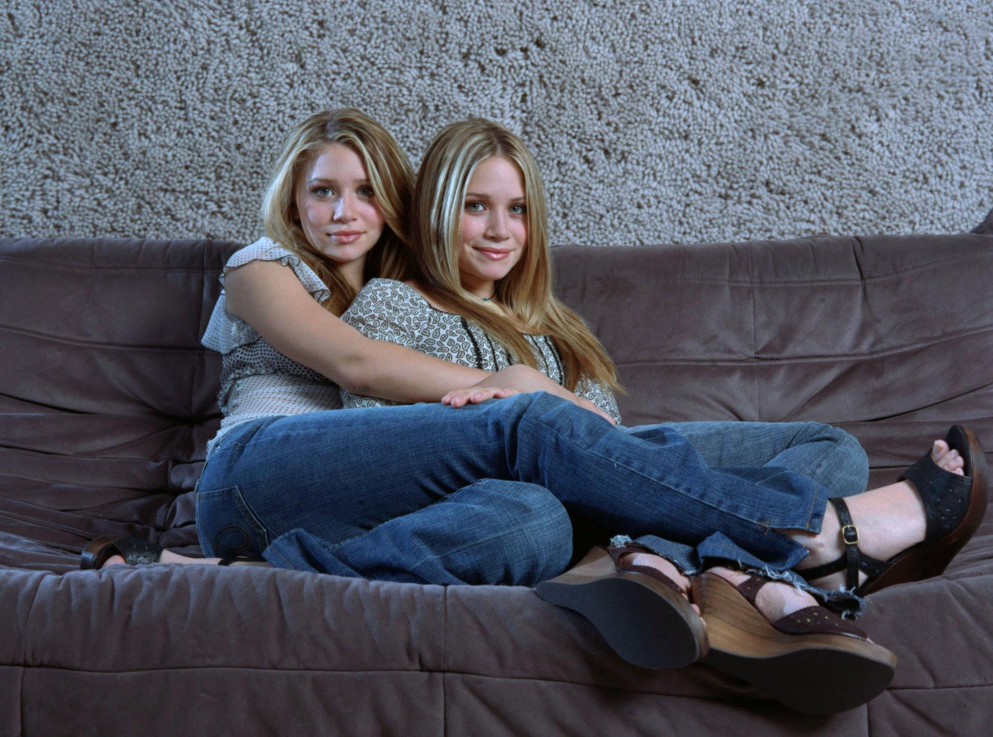 Сестра в джинсах фото 5 фотография