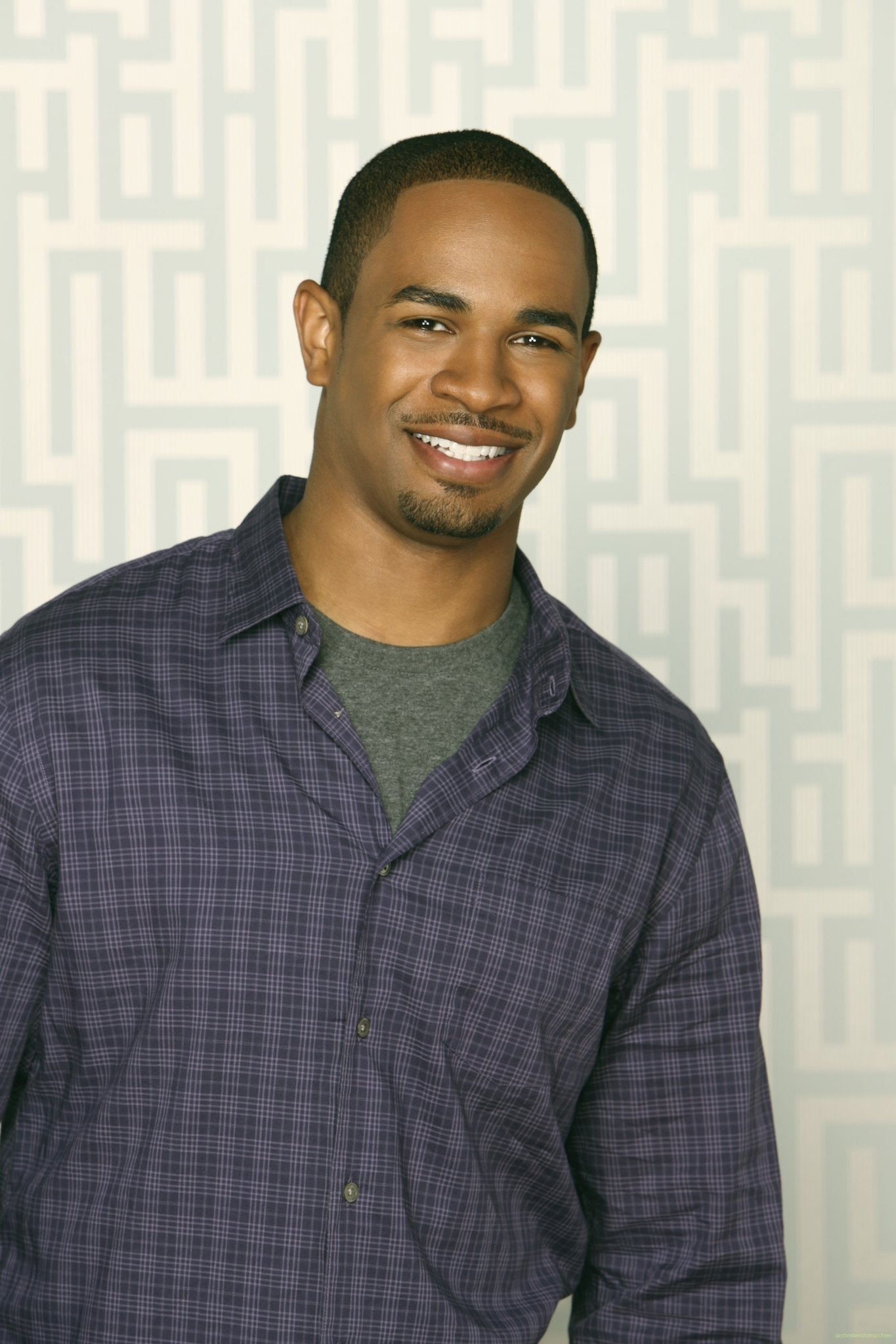Damon wayans jr happy endings photo 18391347 fanpop for Damon wayans jr
