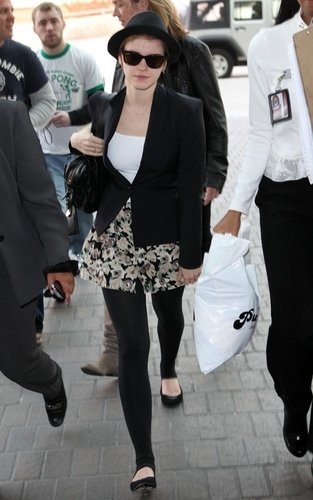 Emma Watson: Farewell, Los Angeles!(January 8)