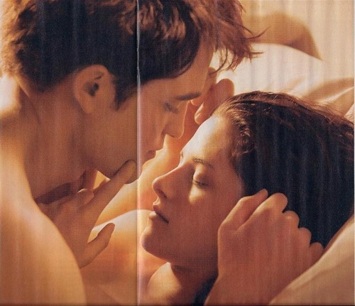 Entertainment Weekly Scans Of 'Breaking Dawn' foto & Article!