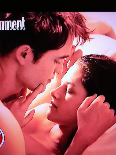 Even Higher Quality - First official photo Edward & Bella, Breaking Dawn Honeymoon Bed Scene