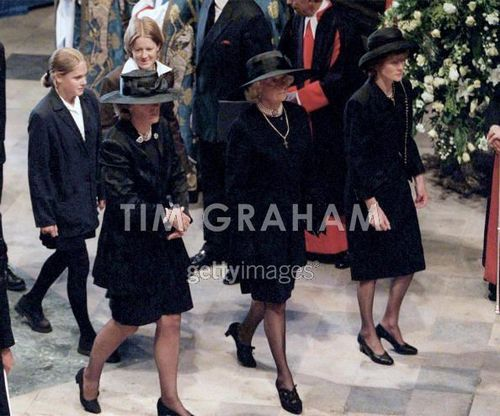 Princess Diana پیپر وال possibly with a surcoat, سورکوت called Funeral of Diana Princess of Wales