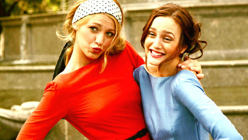 Gossip Girl wallpaper probably containing a portrait entitled Serena & Blair :))