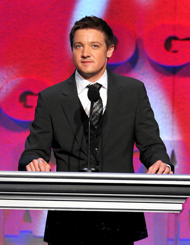 Jeremy Renner wallpaper containing a business suit and a suit titled Jeremy Renner @ 62nd Annual Directors Guild Of America Awards - 2010