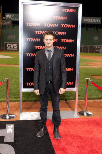 "Jeremy Renner wallpaper with a business suit, a well dressed person, and a suit called Jeremy Renner @ ""The Town"" Boston Premiere - 2010"