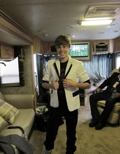 Justin RARE:))