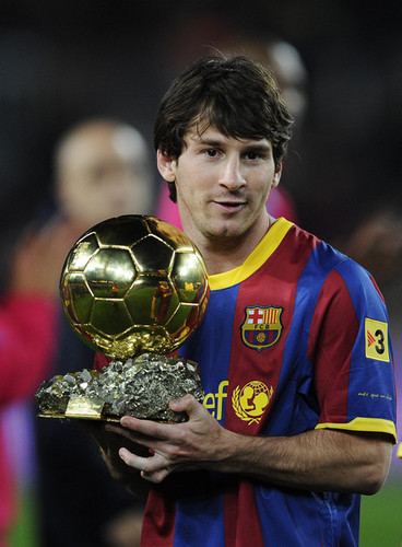 Lionel Andres Messi karatasi la kupamba ukuta containing a soccer ball titled L. Messi (Barcelona - Betis)