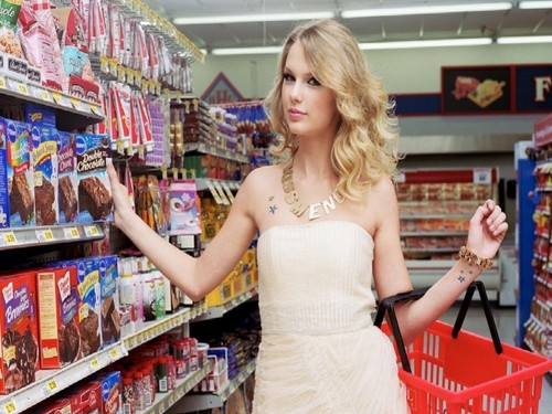 Taylor Swift wallpaper with a supermarket called Lovely Taylor Wallpaper ❤