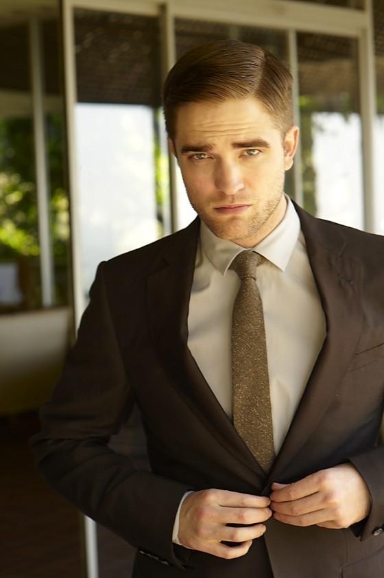 もっと見る Outtakes Of Robert Pattinson!