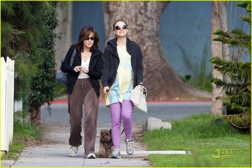 Natalie Portman: Square One Stroll