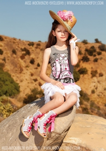 New 照片 Of Mackenzie Foy From Monnalisa Photoshoot!