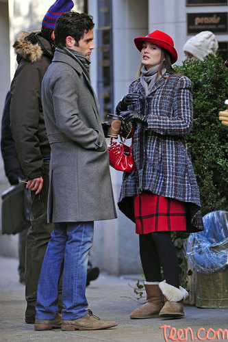 Dan and Blair wallpaper probably containing a boater and a fedora entitled Penn and Lieghton on set. Jan 10th 2011