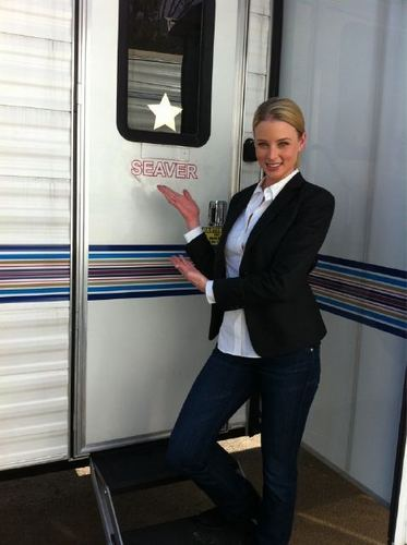 Rachel Nichols - BTS Photo  - criminal-minds Photo