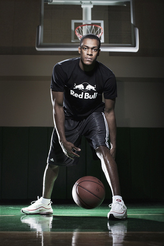 Rajon Rondo پیپر وال probably with a basketball, a dribbler, and a باسکٹ, باسکٹ بال player entitled Rajon Rondo
