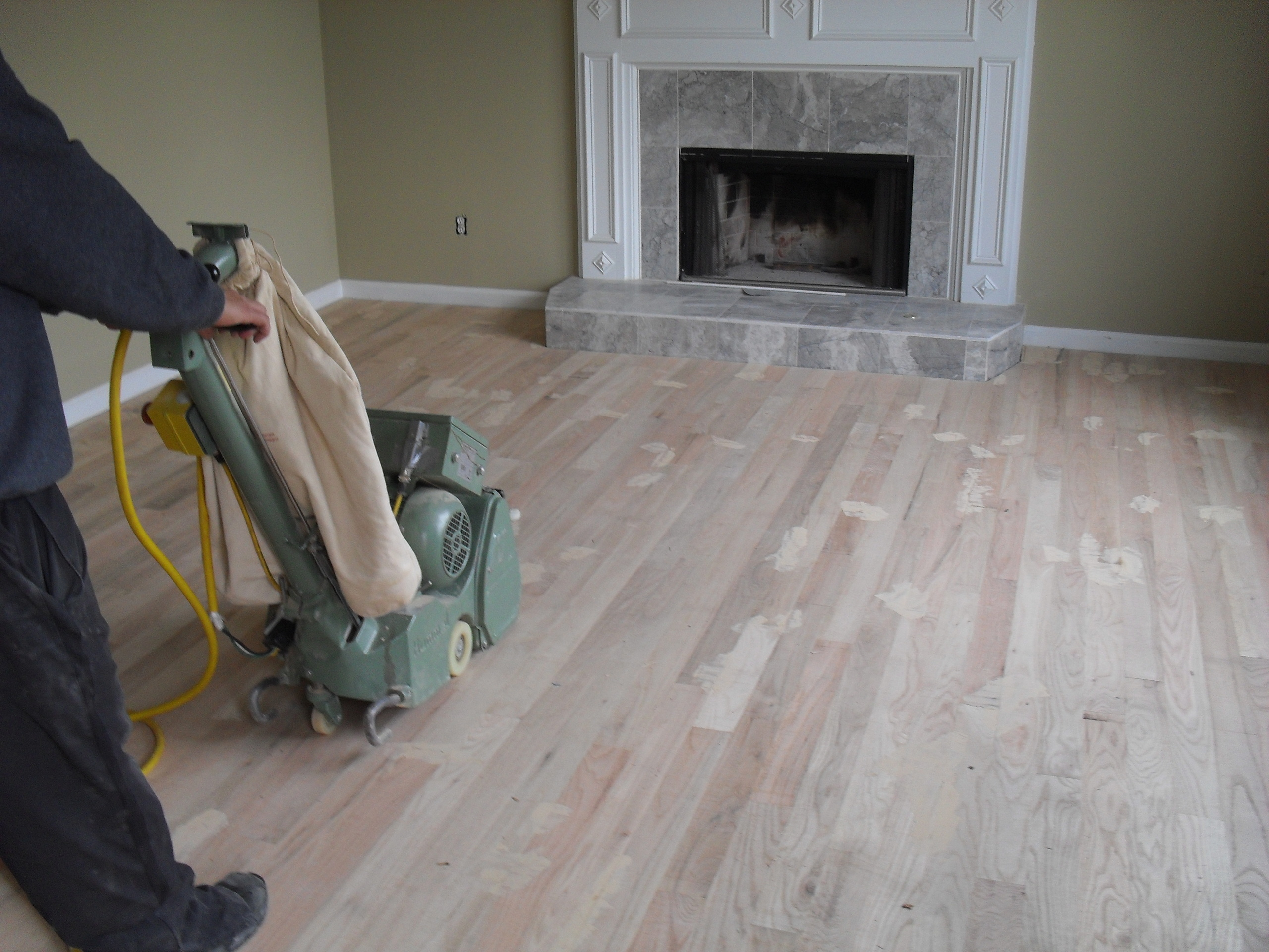 Wood floors images sanding wood floors hd wallpaper and for Sanding hardwood floors