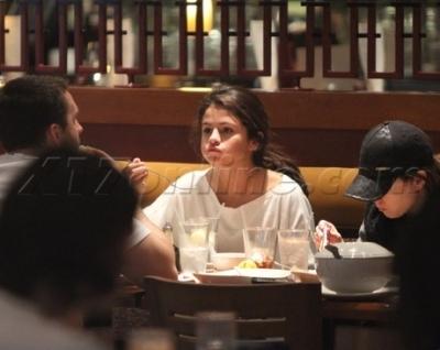 Selena @ Sherman Oaks Galleria Mall